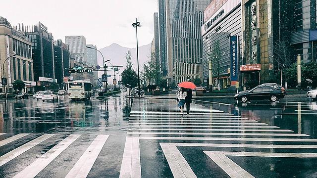 street-707446_640